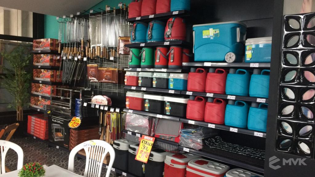 Cardil loja de materiais de construção em Lins SP. Expositor, gôndola, checkout, display, prateleira, estante. Projeto e execução de MVK www.mvk.com.br (13)