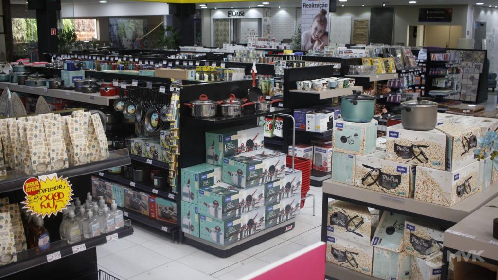 Cardil loja de materiais de construção em Lins SP. Expositor, gôndola, checkout, display, prateleira, estante. Projeto e execução de MVK www.mvk.com.br (2)