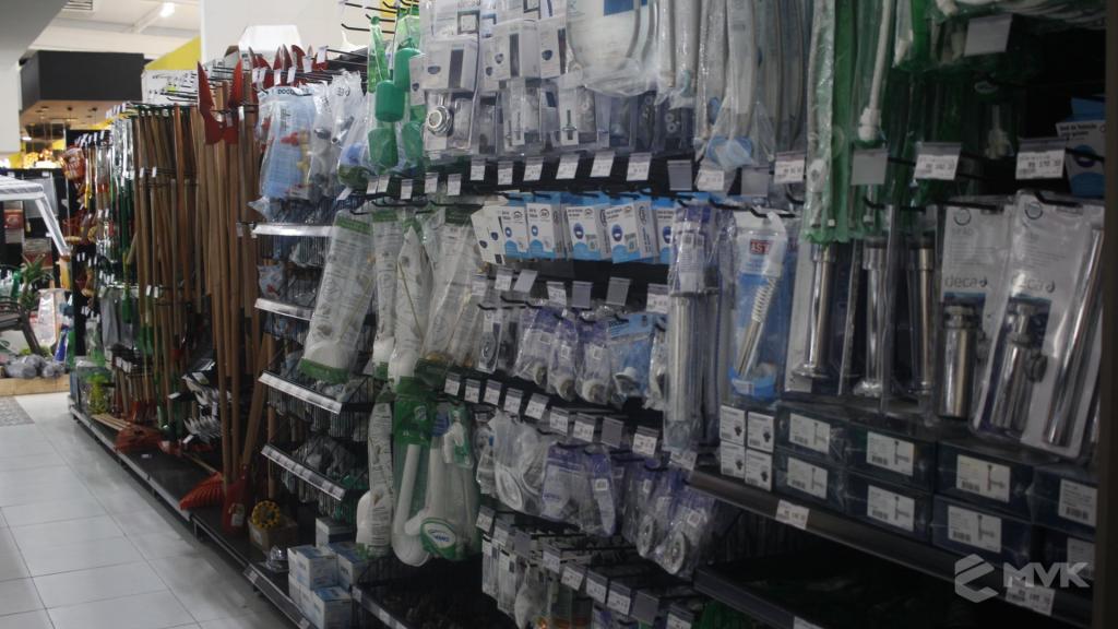Cardil loja de materiais de construção em Lins SP. Expositor, gôndola, checkout, display, prateleira, estante. Projeto e execução de MVK www.mvk.com.br (9)