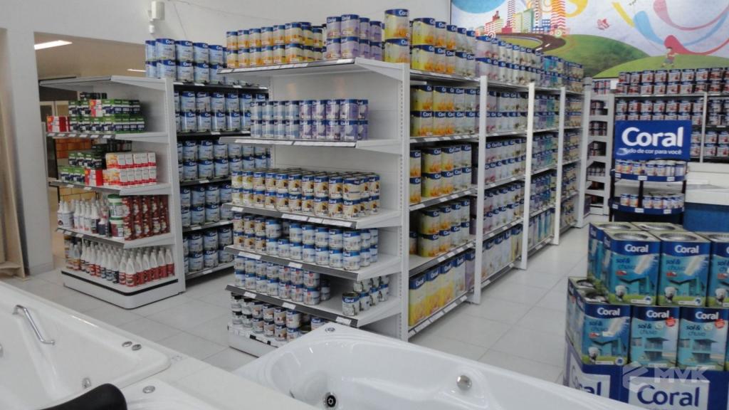 Casa Auxiliadora loja de material para construção em Varginha MG. Projeto e execução de MVK Gôndolas e Displays. Expositores, PDV, balcões. www.mvk.com.br (11)