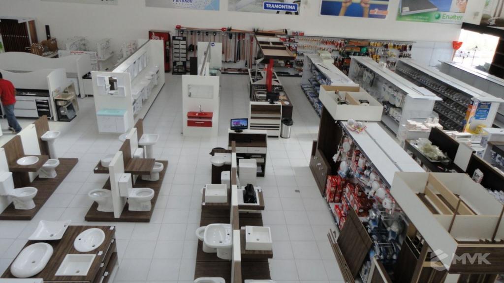 Casa Auxiliadora loja de material para construção em Varginha MG. Projeto e execução de MVK Gôndolas e Displays. Expositores, PDV, balcões. www.mvk.com.br (13)