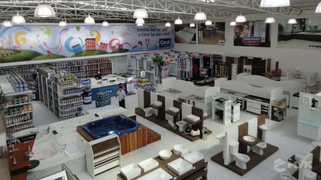Casa Auxiliadora loja de material para construção em Varginha MG. Projeto e execução de MVK Gôndolas e Displays. Expositores, PDV, balcões. www.mvk.com.br (14)