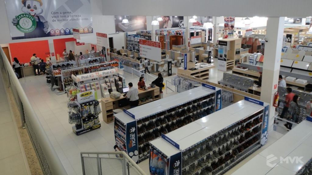 Casa Auxiliadora loja de material para construção em Varginha MG. Projeto e execução de MVK Gôndolas e Displays. Expositores, PDV, balcões. www.mvk.com.br (15)