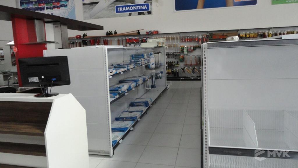 Casa Auxiliadora loja de material para construção em Varginha MG. Projeto e execução de MVK Gôndolas e Displays. Expositores, PDV, balcões. www.mvk.com.br (3)