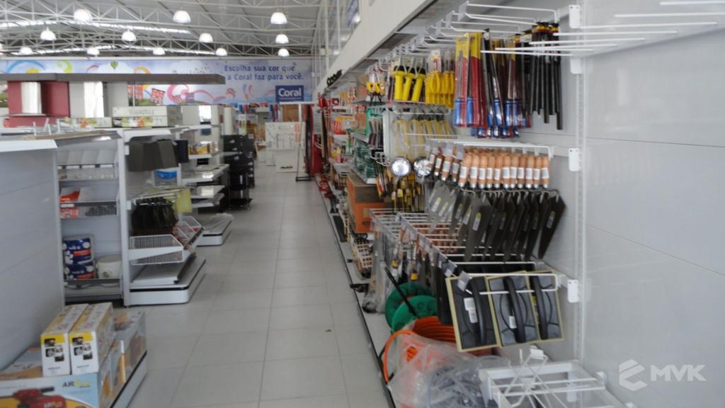 Casa Auxiliadora loja de material para construção em Varginha MG. Projeto e execução de MVK Gôndolas e Displays. Expositores, PDV, balcões. www.mvk.com.br (8)