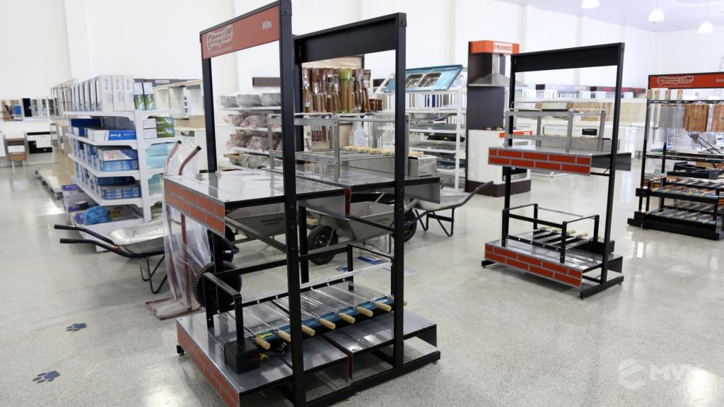 Casa Campos acabamentos e material de contrução. Projeto e execução MVK Gôndolas e Displays (21)