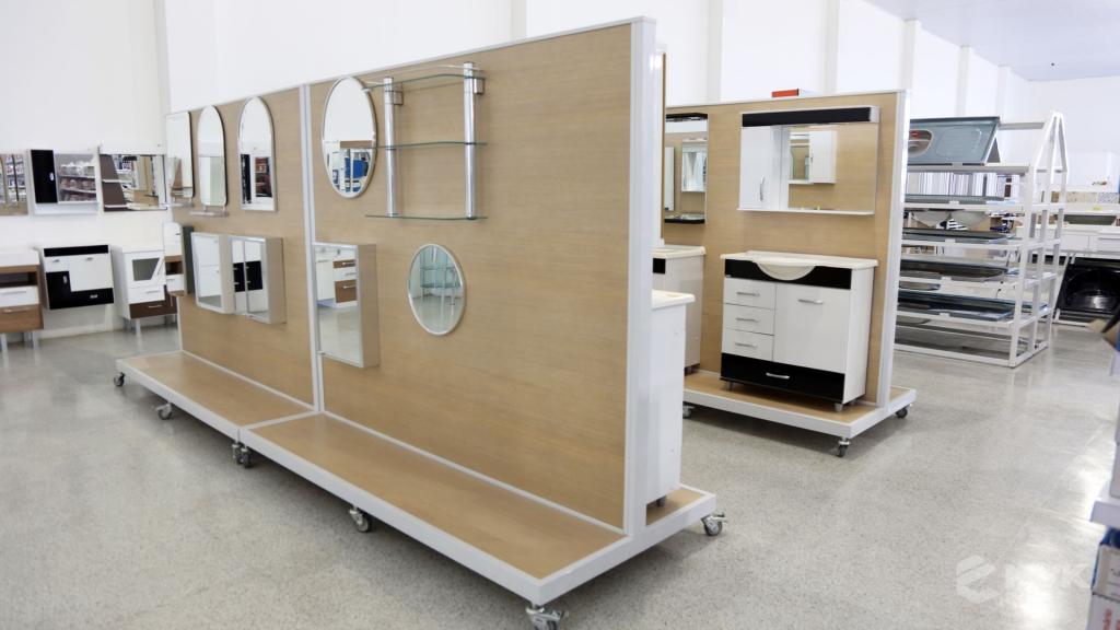 Casa Campos acabamentos e material de contrução. Projeto e execução MVK Gôndolas e Displays (23)
