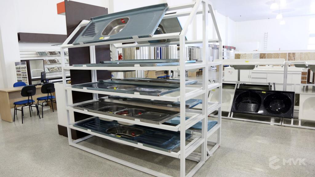 Casa Campos acabamentos e material de contrução. Projeto e execução MVK Gôndolas e Displays (27)