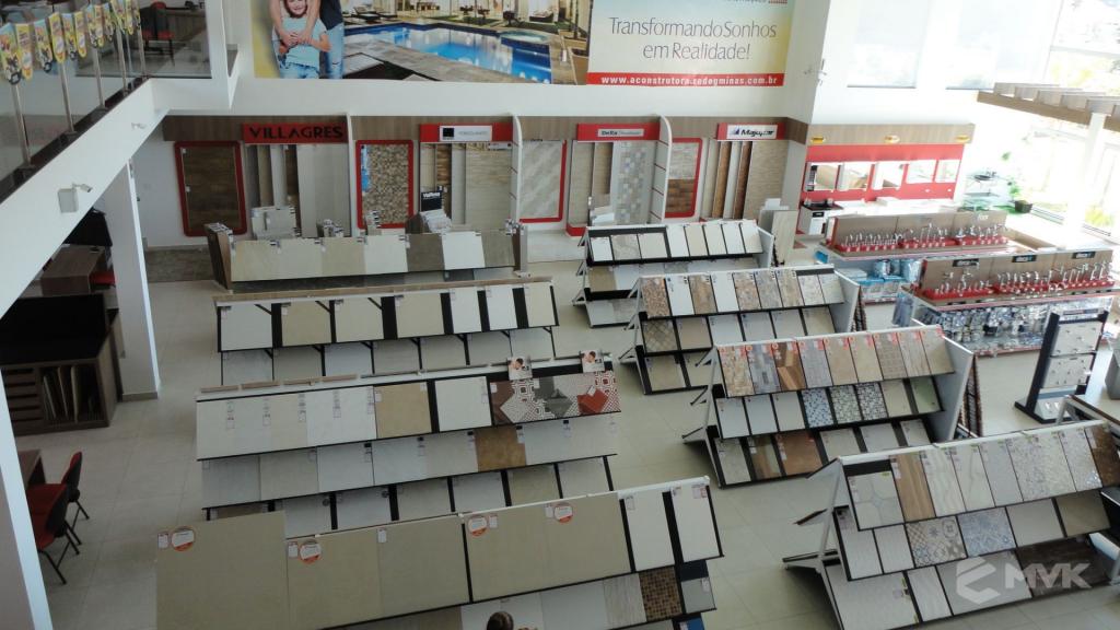 Loja A Construtora materiais de construção em Capitólio MG. Projeto executado por MVK Gôndolas e Displays (1)