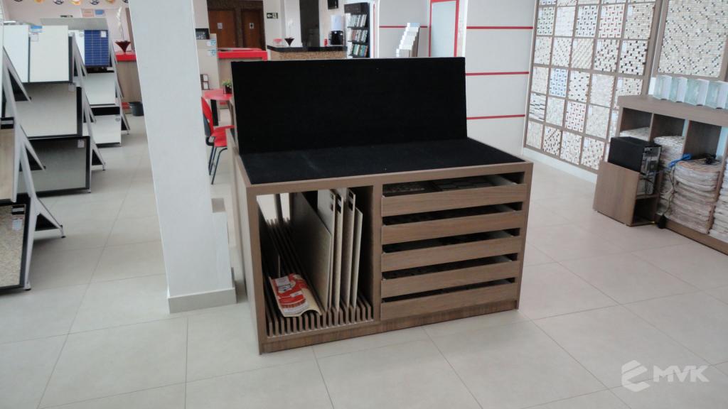 Loja A Construtora materiais de construção em Capitólio MG. Projeto executado por MVK Gôndolas e Displays (4)