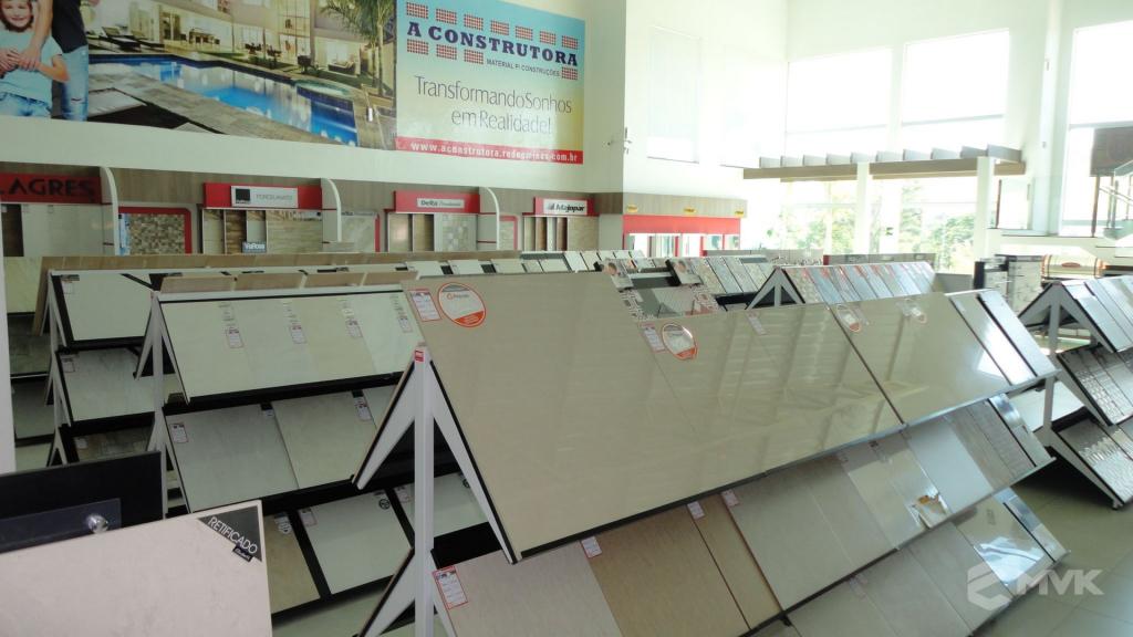 Loja A Construtora materiais de construção em Capitólio MG. Projeto executado por MVK Gôndolas e Displays (5)