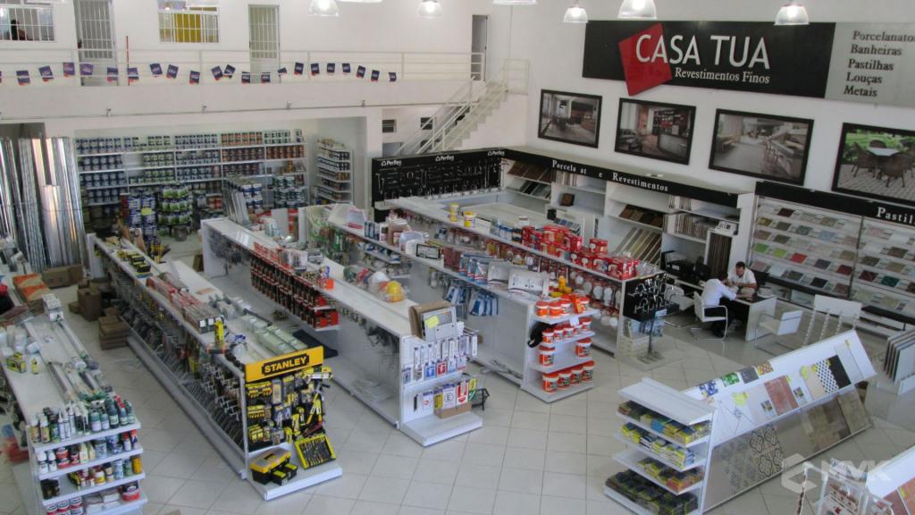 Loja AM Materiais de Construção em Arujá - SP. Casa Tua Revestimentos Finos. Projeto e execução de MVK Gôndolas e Displays (1)