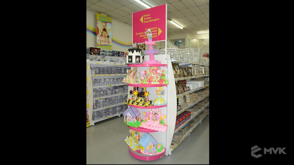 Loja Flamar em Indaiatuba SP. Projeto e execução de MVK Gôndolas e Displays. Móveis para lojas. Expositor, balcão, checkout (3)