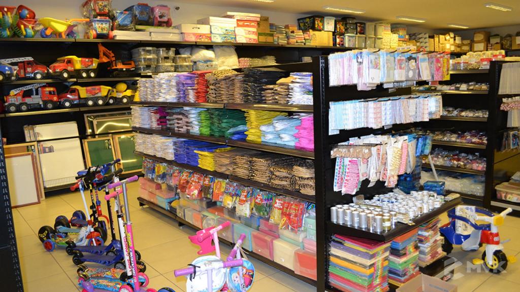 Loja Luggi em Barra Bonita SP. Projeto e execução de MVK Gôndolas e Displays. Móveis para lojas. Expositor, balcão, checkout (2)