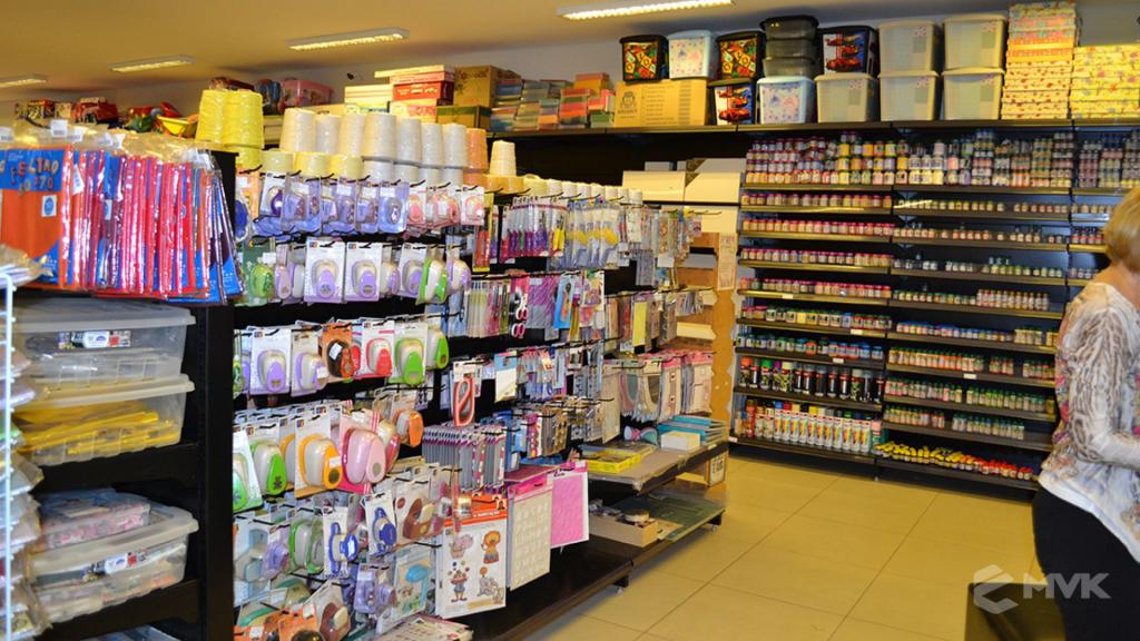 Loja Luggi em Barra Bonita SP. Projeto e execução de MVK Gôndolas e Displays. Móveis para lojas. Expositor, balcão, checkout (6)