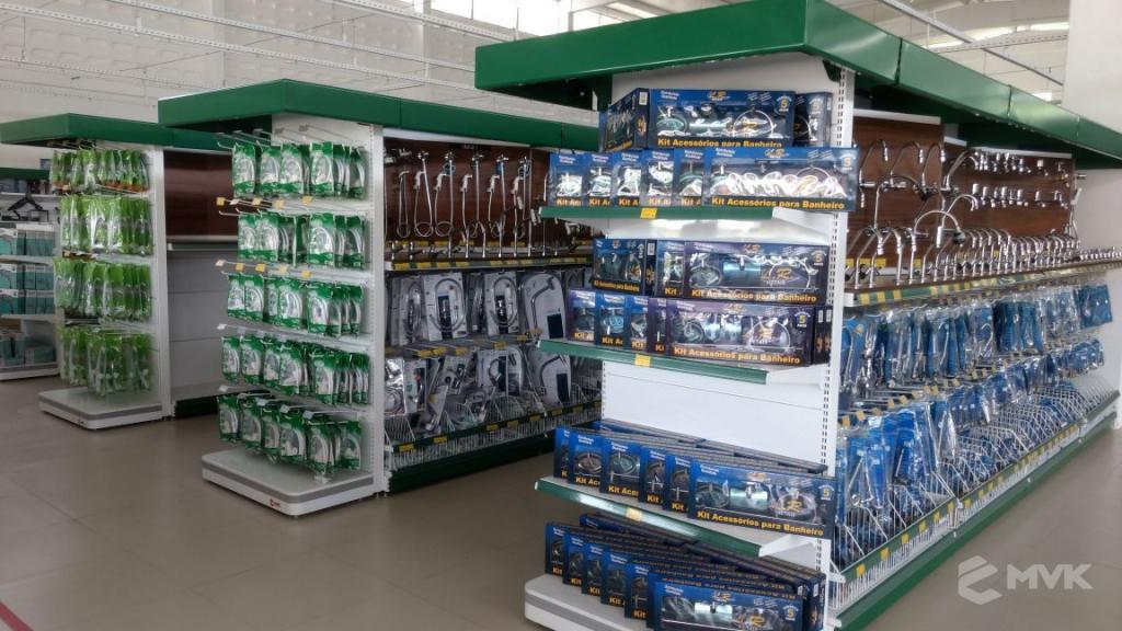 Loja de Material de Construção Bezerra em Recife Pernambuco. Expositor para cerâmica. Expositor para vaso sanitário. MVK Gôndolas e displays para lojas (11)