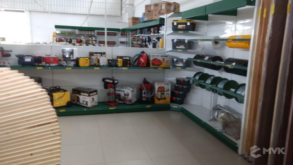 Loja de Material de Construção Bezerra em Recife Pernambuco. Expositor para cerâmica. Expositor para vaso sanitário. MVK Gôndolas e displays para lojas (6)