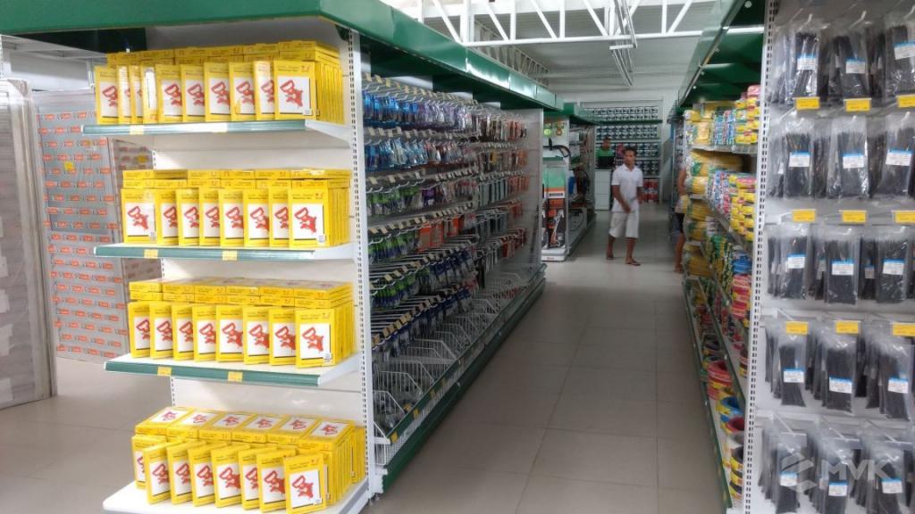 Loja de Material de Construção Bezerra em Recife Pernambuco. Expositor para cerâmica. Expositor para vaso sanitário. MVK Gôndolas e displays para lojas (7)