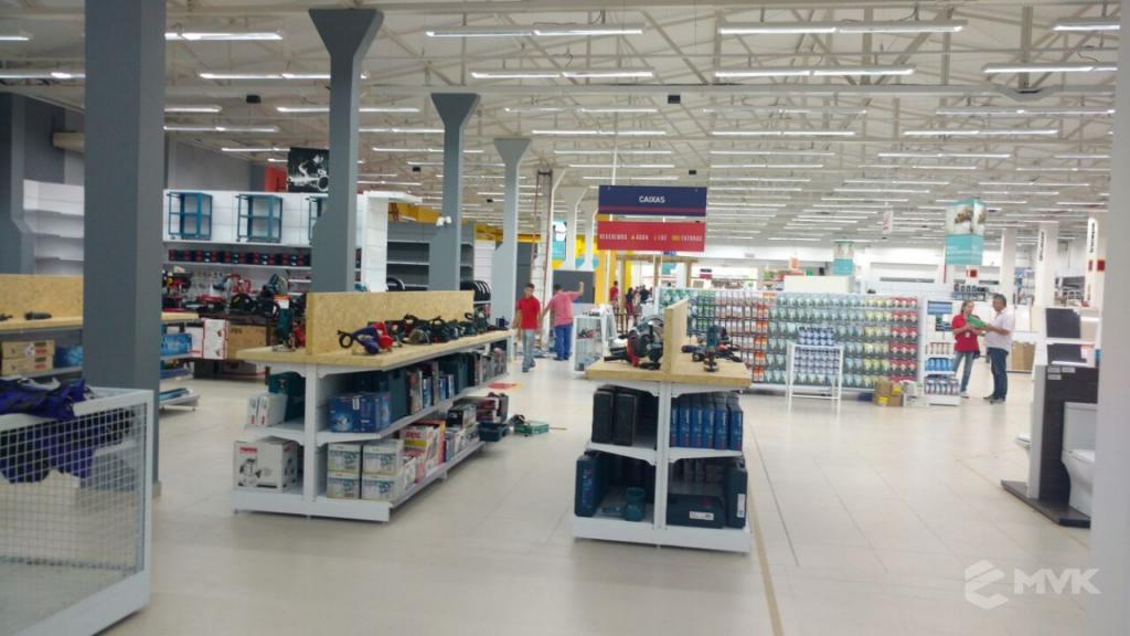Loja de Material de Construção e Home Center Breithaup em Joinvile Santa Catarina. Gôndolas, displays, balcões e expositores MVK (12)