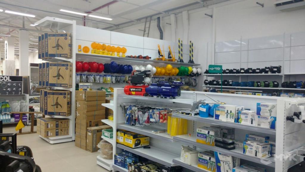 Loja de Material de Construção e Home Center Breithaup em Joinvile Santa Catarina. Gôndolas, displays, balcões e expositores MVK (8)