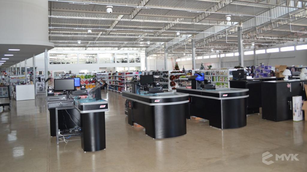 Loja de departamentos Bela Casa em Araxá MG. Gôndolas, balcões, displays e projeto de MVK (1)