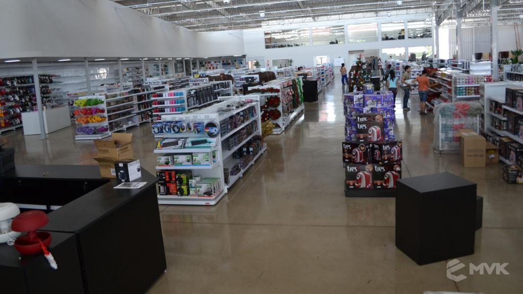 Loja de departamentos Bela Casa em Araxá MG. Gôndolas, balcões, displays e projeto de MVK (2)