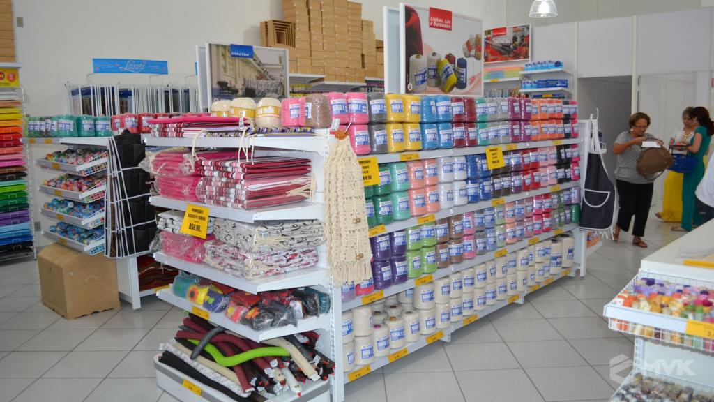 Loja de tecidos Center Panos em Indaiatuba SP. Projeto executado por MVK Gôndolas e Displays. Prateleiras, expositores, balcões, suportes (4)