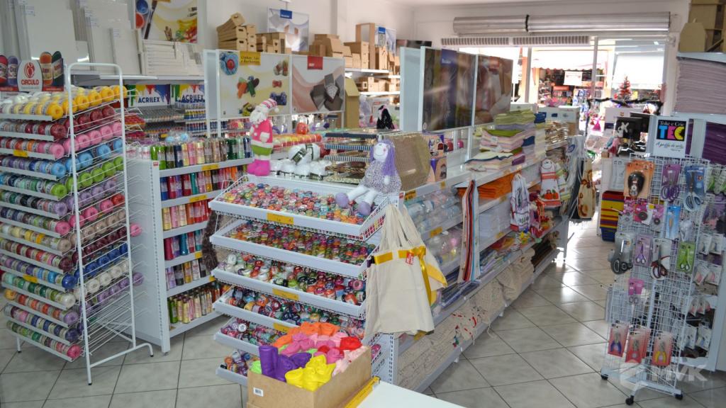 Loja de tecidos Center Panos em Tatuí SP. Projeto executado por MVK Gôndolas e Displays. Prateleiras, expositores, balcões, suportes (10)