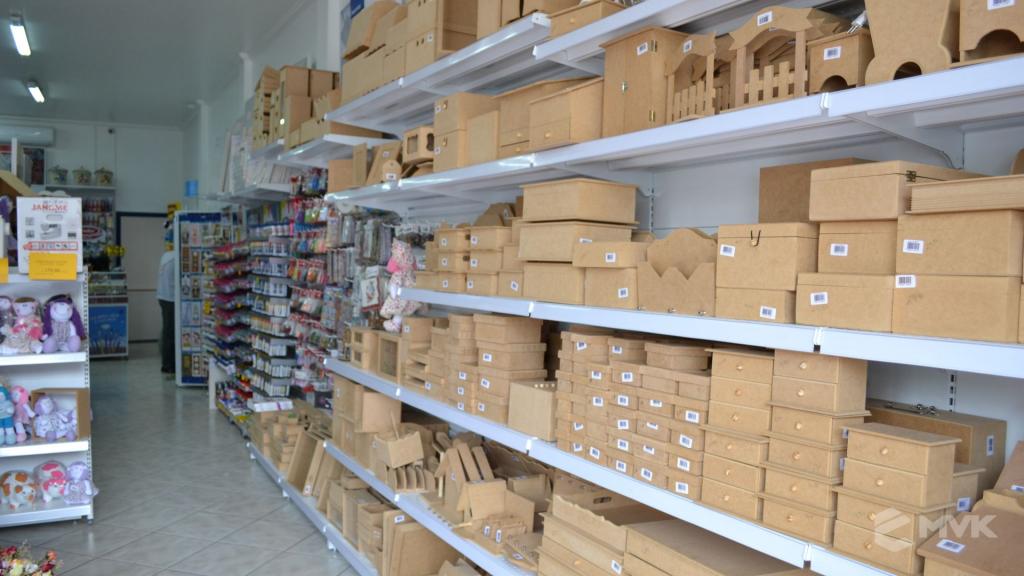 Loja de tecidos Center Panos em Tatuí SP. Projeto executado por MVK Gôndolas e Displays. Prateleiras, expositores, balcões, suportes (4)