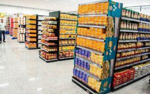 Indústria de gôndolas para supermercado